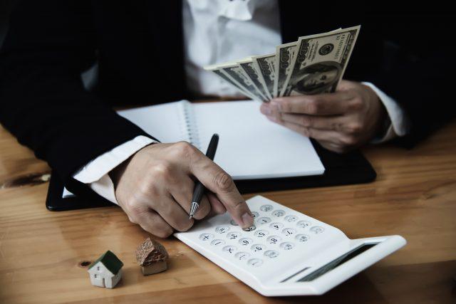 Mengatur keuangan bisnis