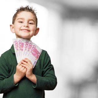 mengajari anak cara mengelola keuangan secara bijak