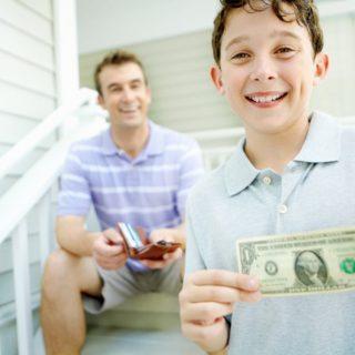 Kesalahan Finansial yang Sering Dilakukan Orangtua Pada Anak